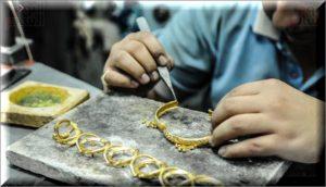 ورش تصنيع الذهب